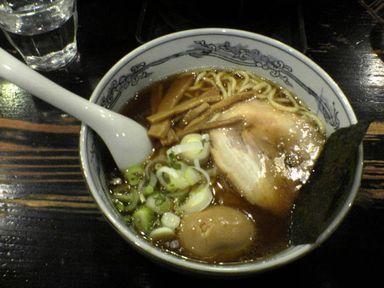 味玉らー麺 830円